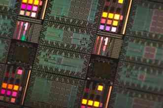 Research needs better benchmarks to detect elusive quantum speedup