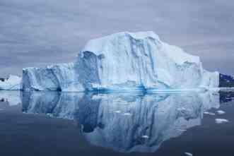 What causes massive shifts in Atlantic iceberg activity? Here's a new theory