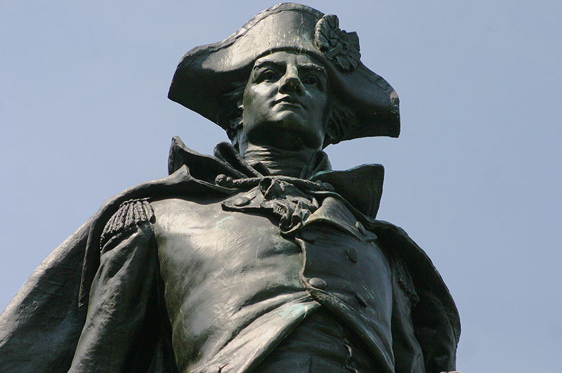 statue of man in tri-corner hat