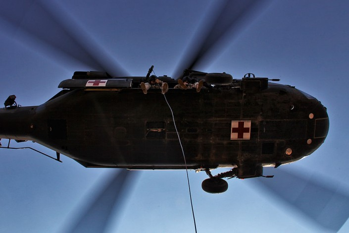 1024px-Flickr_-_The_U.S._Army_-_Hoist_training_exercise_in_Iraq