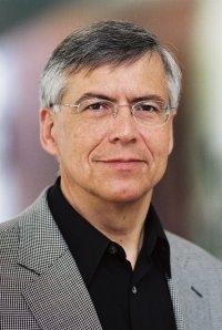portrait of physiological chemist Manfred Schartl