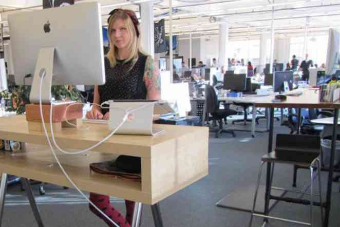 Can computer prompts enhance benefits of sit-or-stand workstations?