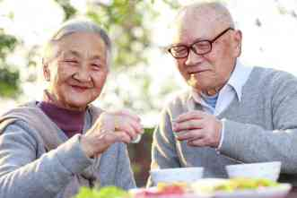 What if healthy aging becomes normal? Journal examines trends