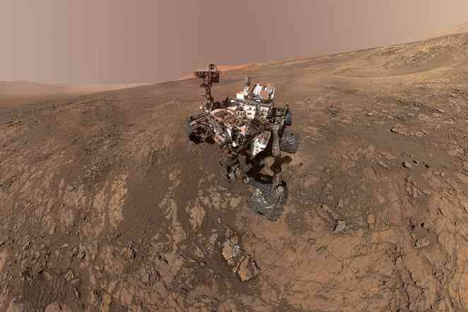 Volume of methane gas around Martian crater changes with seasons
