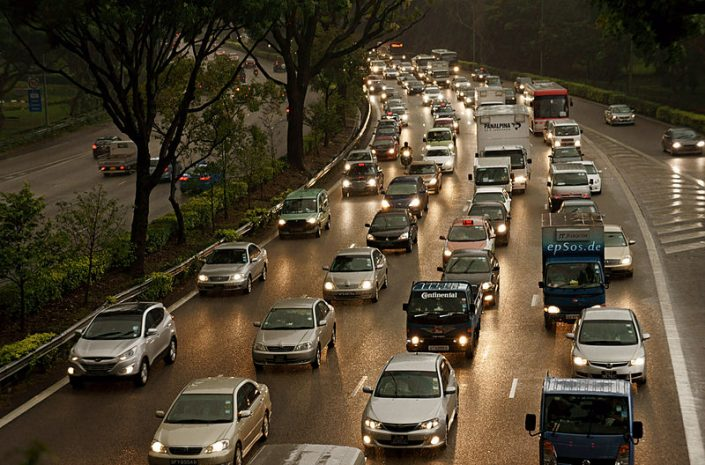 congested traffic on an urban freeway