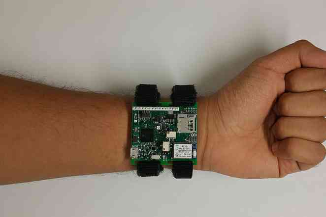 Texas A&M, Yale to develop cuffless blood-pressure monitor for wrist