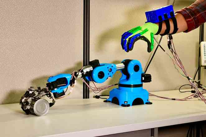 At their fingertips: Helping surgeons gain better control of robotic hands