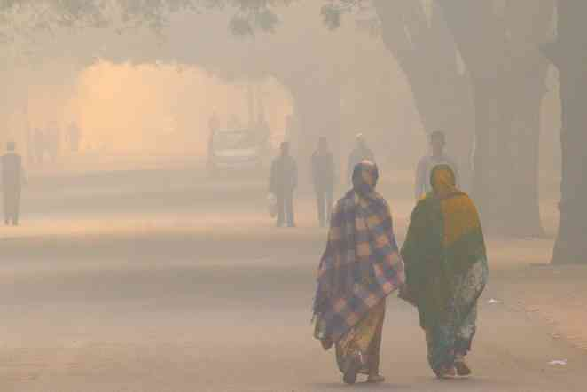 Extreme heat, severe pollution pose dual threat to South Asia, study says