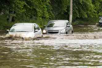 Inspired by epidemiology, team develops model to predict flooding